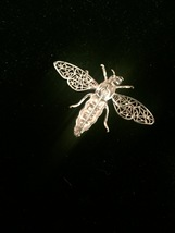 60s Alice Caviness silver filagree bee/bug/insect brooch with moveable wings