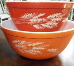 Pyrex Wheat Pattern 2 Bowls Set 1.5 and 2.5 Qt 402 & 403 Free Shipping - $41.43