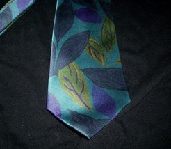 MEN'S VINTAGE FRATELLI PURPLE BLUE GREEN LEAF SHAPES PATTERN ITALY 100% ... - $26.65