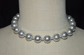 Vintage Grey Gray Silver Acrylic Bead Beaded Choker Necklace (B) - $13.86
