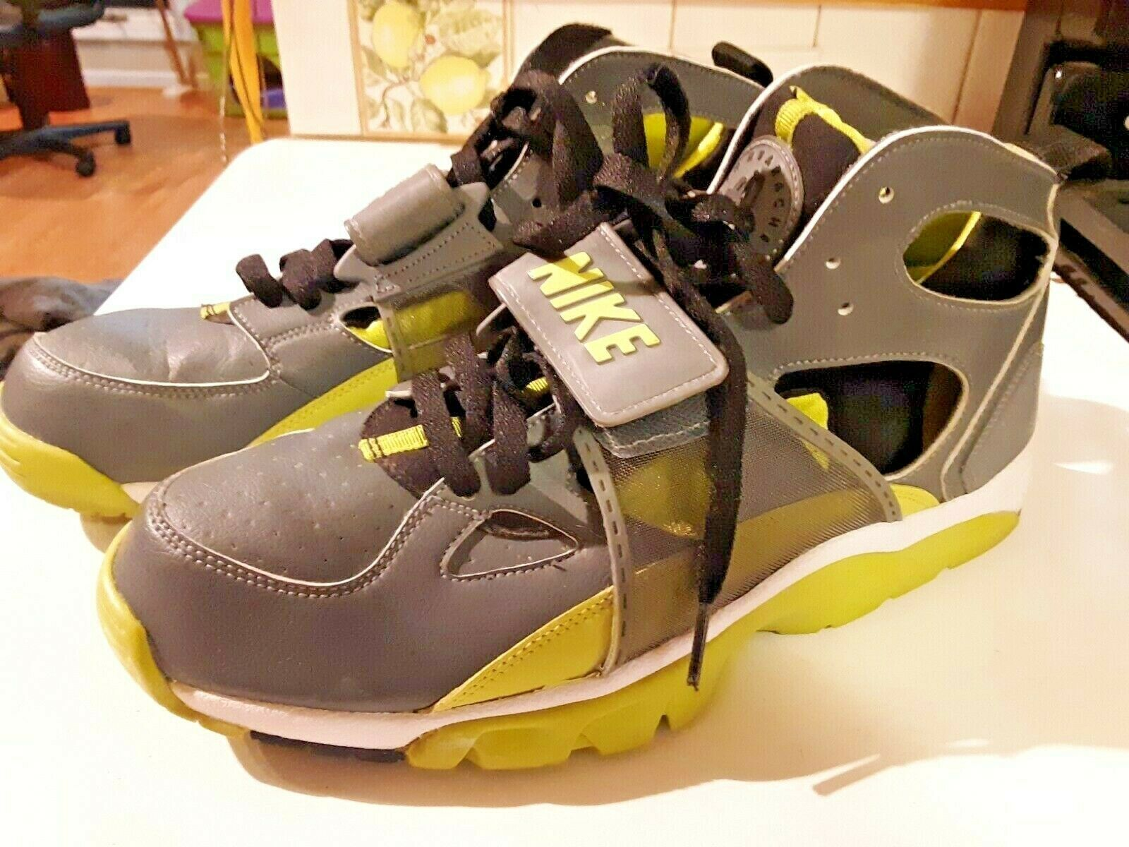Primary image for 2007 Nike Air Trainer Huarache (Cactus pack) size 10.5