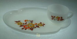 Federal Glass Gold and Orange Flowers Snack Set - $9.27