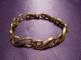 Trifari Pat. Pend. Figure 8 Gold Tone Link Bracelet Chain Designer Signed  - $24.75