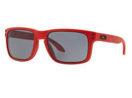 Nuevo Oakley B1B Colección Holbrook Mate Rojo con / Gris OO9102-83 - $235.14