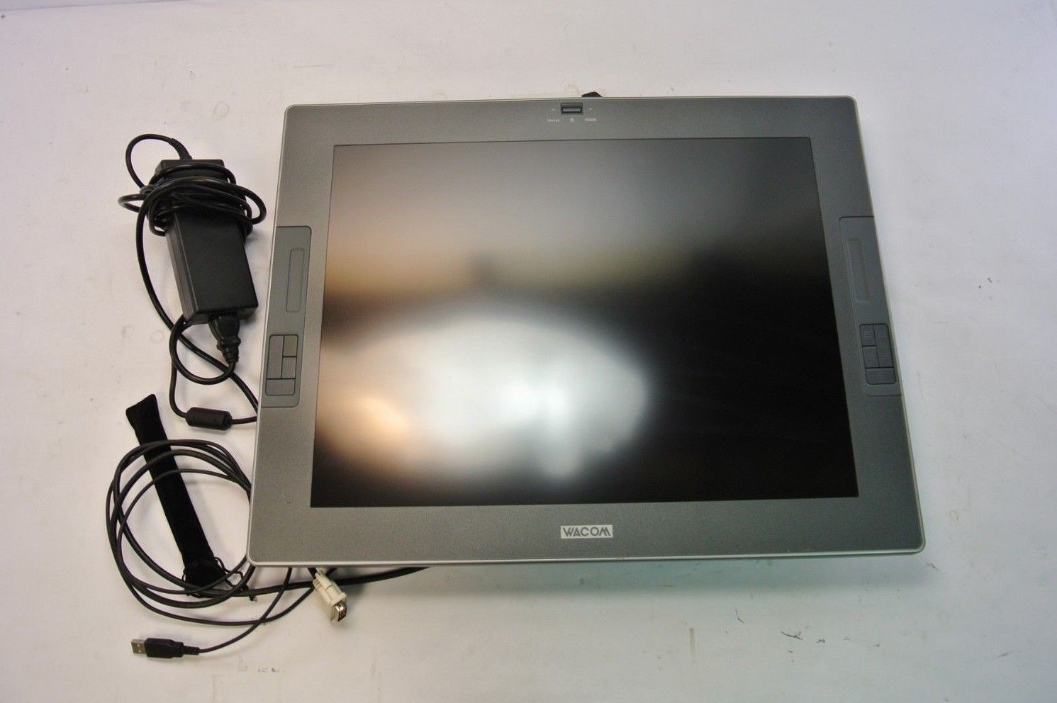 Wacom Cintiq 21UX Graphic Tablet Display, and 11 similar items