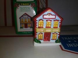 1994 Kwik Fill Traditions Ornament Christmas Village Inn  Gas Station Xm... - $3.77