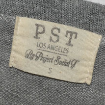 PST by Project Social T Women's Gray Pullover V-Neck Oversized Knit Sweater S image 3