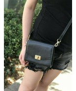 NWT MICHAEL KORS ENVELOP PEBBLED LEATHER CASSIE XS CROSSBODY BAGBLACK /GOLD - $57.18