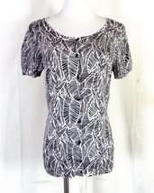 euc Ann Taylor LOFT black white Banana Leaf Pattern Top Shirt Blouse sz M - $10.79