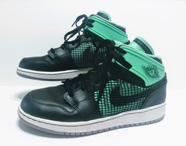 Air Jordan 1 Retro 89 Boys Black Green Glow Sneakers 599874-033 Boys Size 4 - $40.34