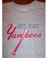 VINTAGE STYLE WOMEN'S TEEN NEW YORK YANKEES MLB BASEBALL T-shirt MEDIUM NEW - $19.80