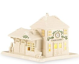 Lenox Christmas Village Lighted Train Station - $77.54