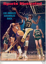 * 1972 SPORTS ILLUSTRATED LA LAKERS SCRAMBLE BACK - $9.79