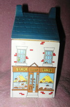 Village Stores By Wade English Pottery Bake Shop Bakery Canister Mint - $32.99