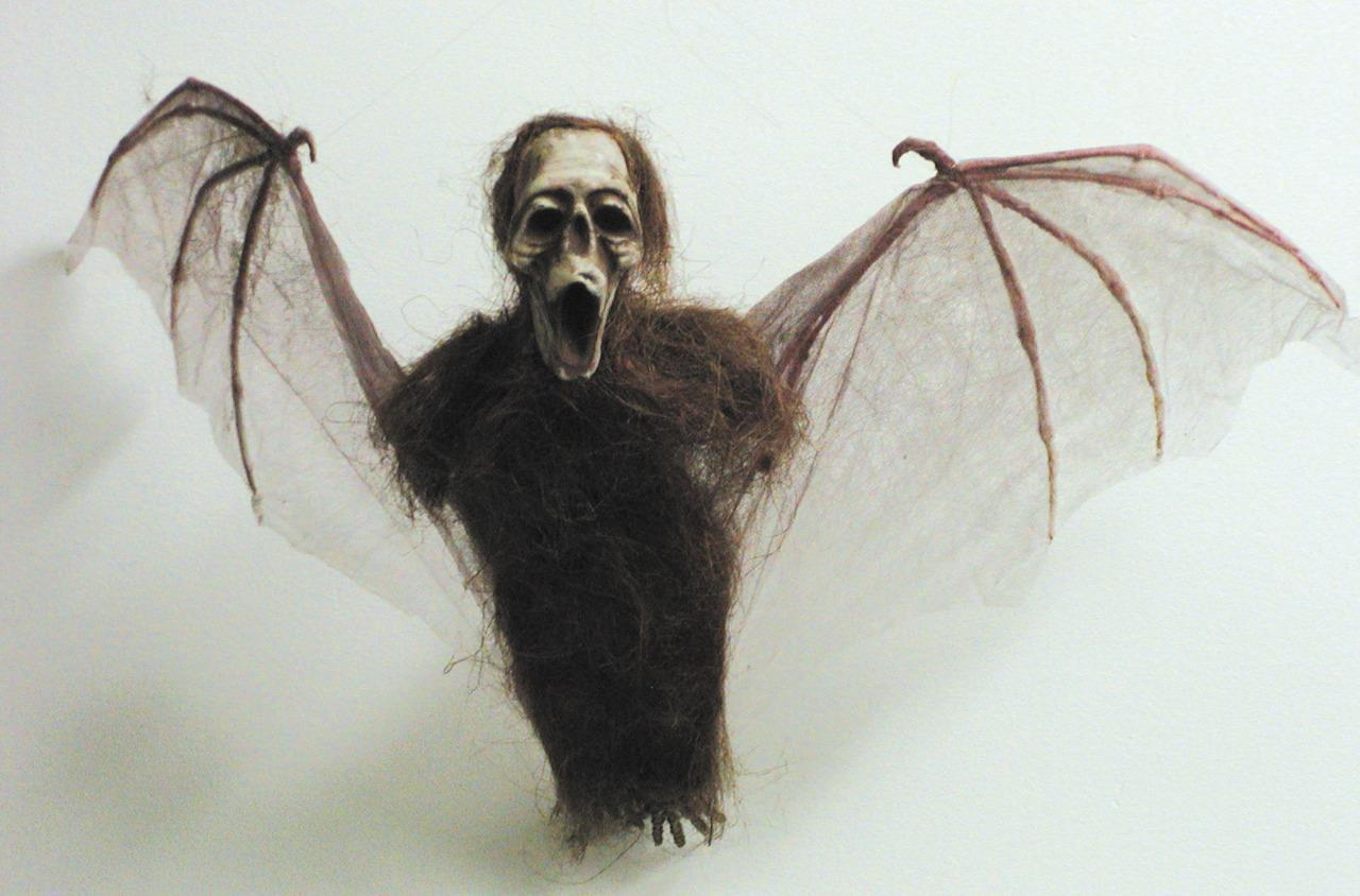 Flying Monkey Prop Winged Hanging Decor Halloween Haunted House VA789