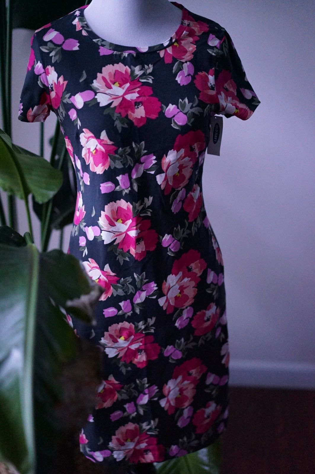 Primary image for NWT XS Old Navy women's black w/ pink multi-color floral design DRESS