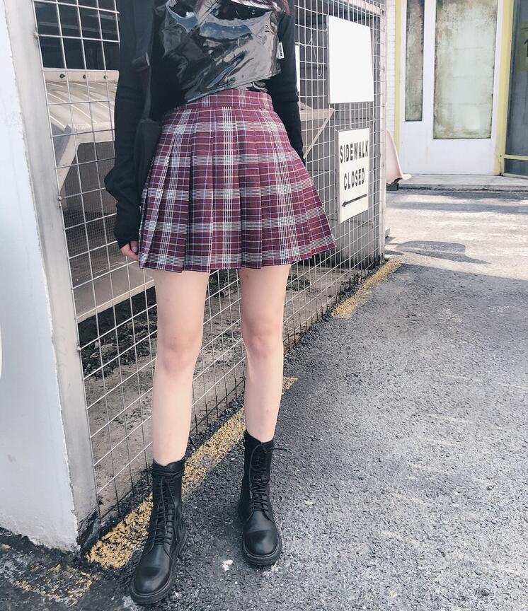 Burgundy plaid skirt short  7