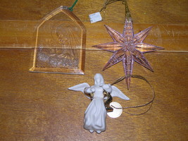 Vintage Lot of 3 Clear Plastic Mary & Baby Jesus Crackled Pink Star & White - $9.49
