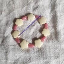 Flower white pink glass resin handmade bracelet - $1.86