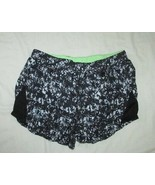women Elle Sport black pattern ruched sassy athletic Shorts EURO 38 US 8... - $14.84