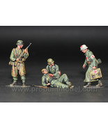 German Medic and wounded troops in WW2 1:35 - Pro Built Model - $91.03