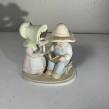 Homco Masterpiece Circle of Friends The Family Hour 1993 Vintage - $6.99