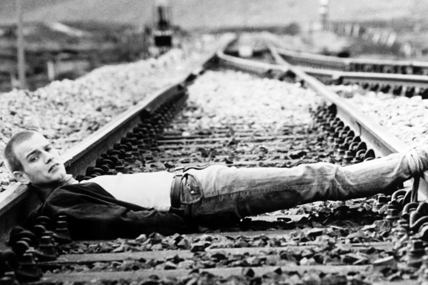 Primary image for Ewan Mcgregor Trainspotting iconic lying on railway tracks 18x24 Poster