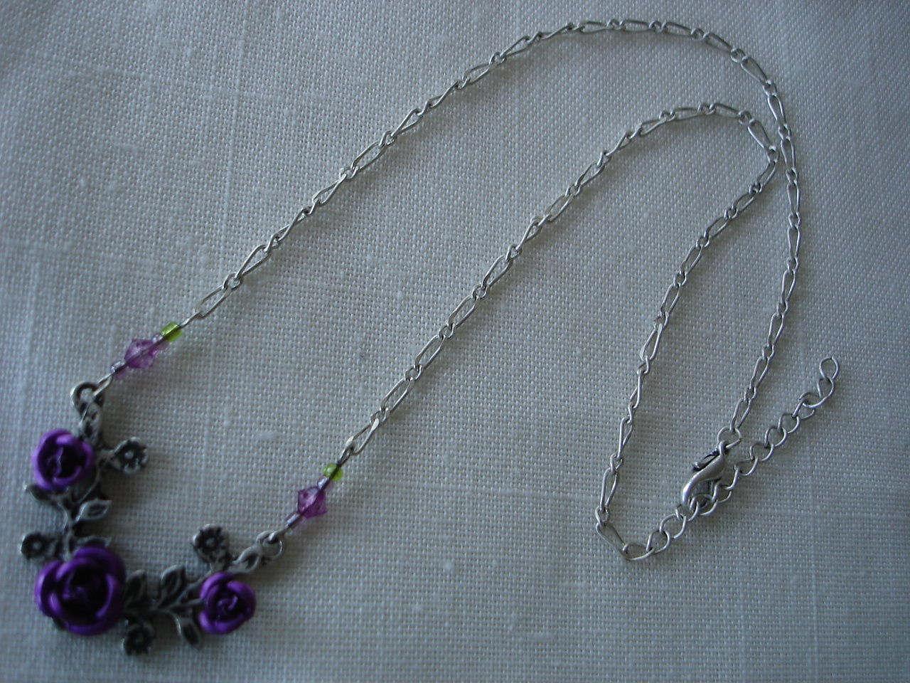 Purple Carved Metal Roses Silvertone Necklace, Beads
