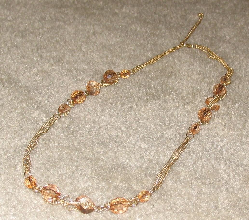 Vintage Costume Jewelry Goldtone & Bead Necklace