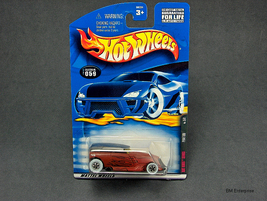Hot Wheels Phaeton #2001-059 - $2.95