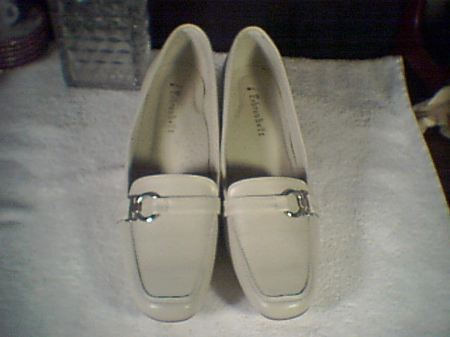 WOMENS SHOES~~LOAFER TYPE HEELS~~as new~~size 10
