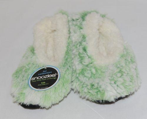 Snoozies 285123 Velvety Fur Foot Coverings Green White Kids XLarge