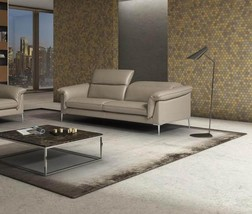 J&M Eden Contemporary Durable Italian Leather Sofa in Taupe Made in Italy - $49.609,07 MXN