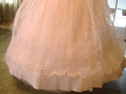 Fifties 50's formal dress gown princess style pink tulle scallop lace
