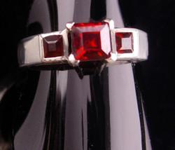 Sterling GARNET Ring - Size 6 1/2 - sterling setting - Birthstone jewelr... - $125.00