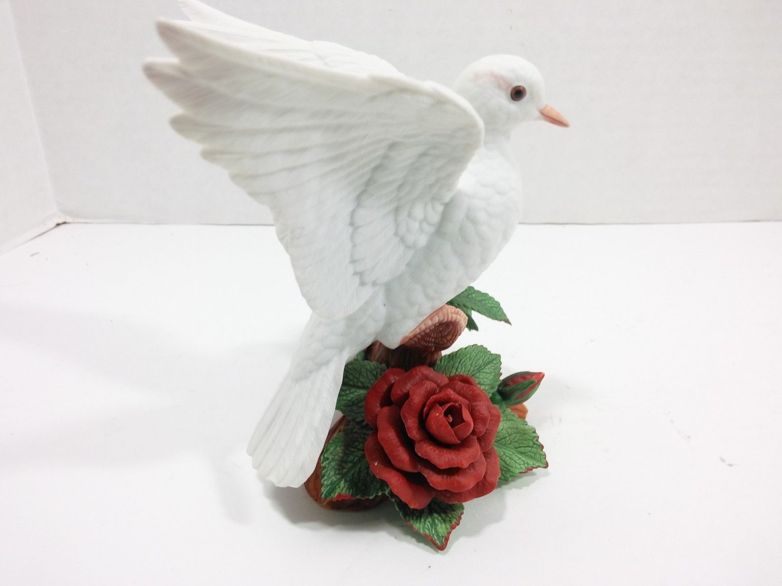 The Annual LENOX Christmas Collection 1993 Christmas Dove (Fine Porcelain) image 6