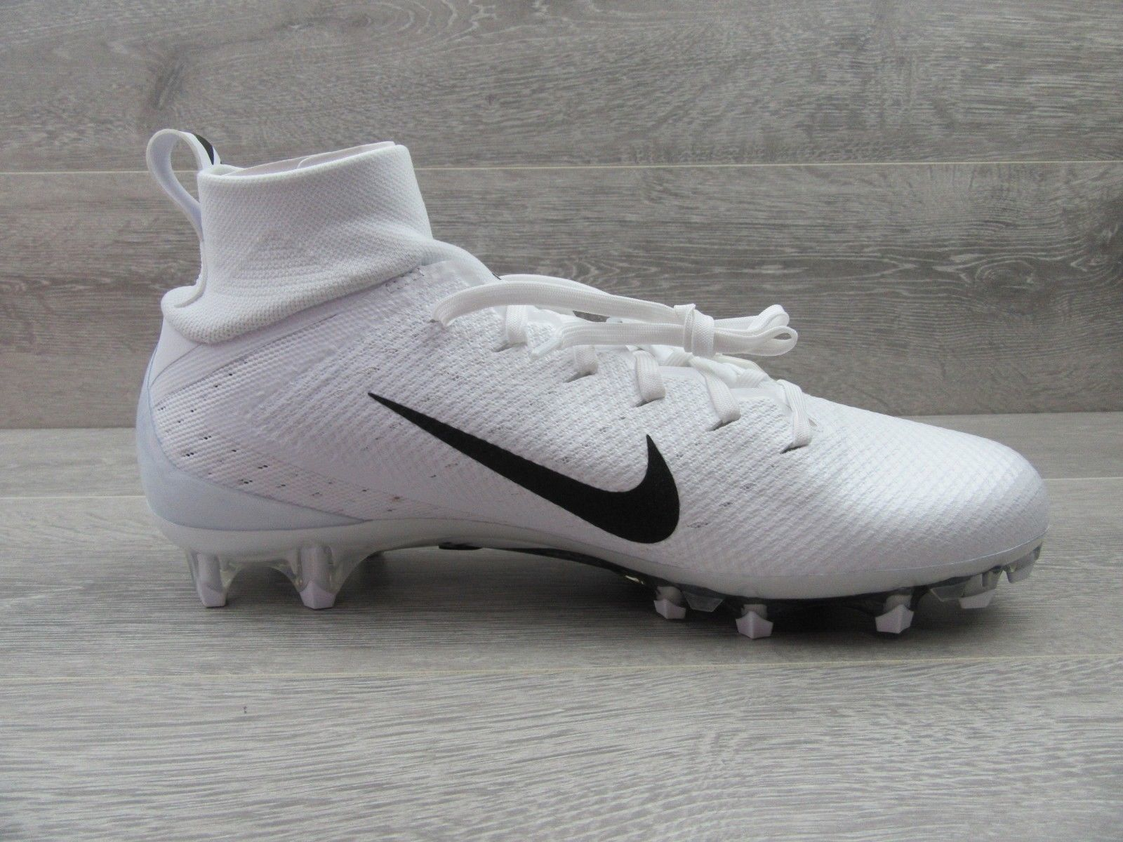 02969eb8cd34 Nike Vapor Untouchable Pro 3 Football Cleats Size 11 White Black 917165 105  New