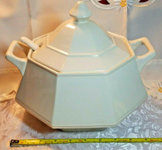 VINTAGE CREAM COLORED SOUP TUREEN W/ COVER AND LADLE GLAZED PORCELAIN image 2