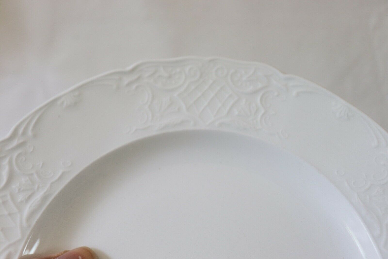 """Richmond by Johnson Brothers SALAD PLATE 8"""" image 4"""