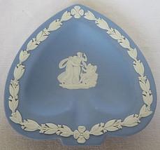 VTG 1952 WEDGWOOD Jasperware Blue Ashtray Spades Shape 2 Woman & Angel England - $20.00
