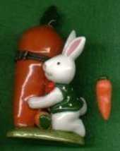 BUNNY RABBIT WITH CARROT HINGED BOX - £8.48 GBP