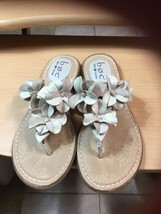 Born Concept B.O.C. sz 7 Beige Genuine Leather Flower Thong Flip Flop Sa... - $33.42