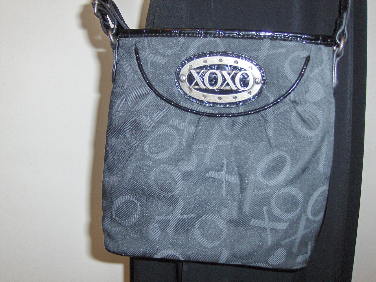 XOXO Black Purse Shoulder Sling Crossbody Cross BodyTote Bag
