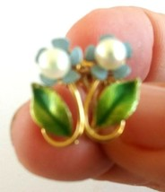 Vintage Krementz Forget Me Not Enamel Flower Cultured Pearl Screw back E... - $12.00