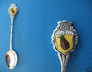 Vintage HAWAII State PINEAPPLE Collector Souvenir Spoon