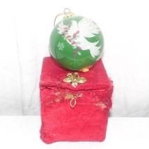 Pier 1 Green Dove 2013 round ball ornament box damaged - £3.02 GBP