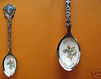 RED LAKE Ontario Enamel Collector Souvenir Spoon
