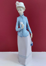 LLADRO WOMAN WITH HAT W/ FLOWER & PURSE HOLDING FLOWER LADY GIRL LARGE 1... - $178.19