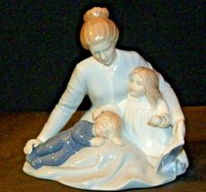 A Mother's Touch Figurine AA-191982  Vintage image 7