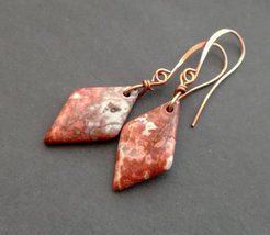 earrings ashy pink natural JASPER CHOUHUA   - $20.00